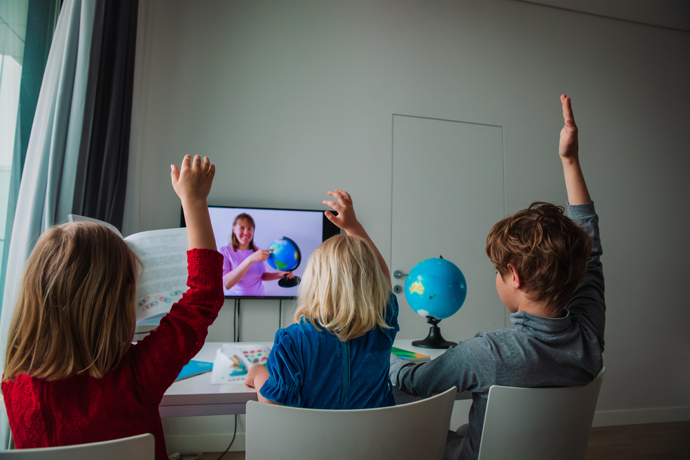 children on distance learning